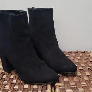 shoe dazzle block heel ankle boots.